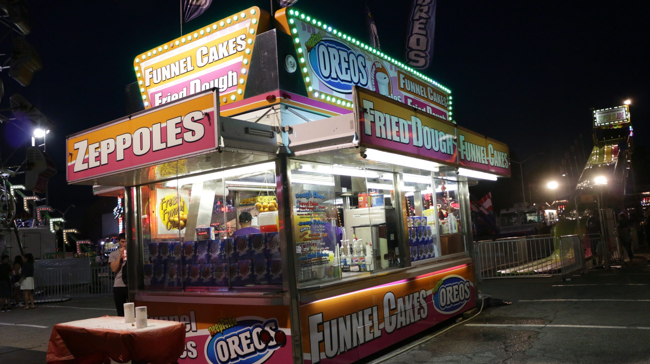 fried dough/funnel cakes
